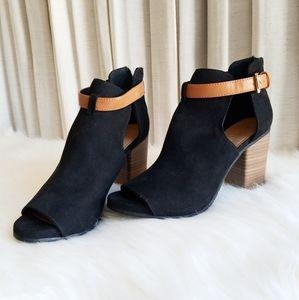 Kenneth Cole Reactiom Black Peep Toe Heels